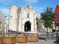 embassy_summer_schools_canterbury_castle
