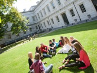 embassy_summer_schools_london_ucl_campus_lawn