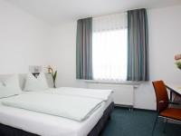 Cologne_Twin-room_0622_16x9